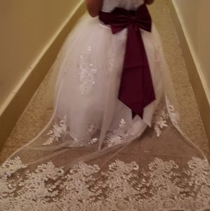 White Gown with train can be remove